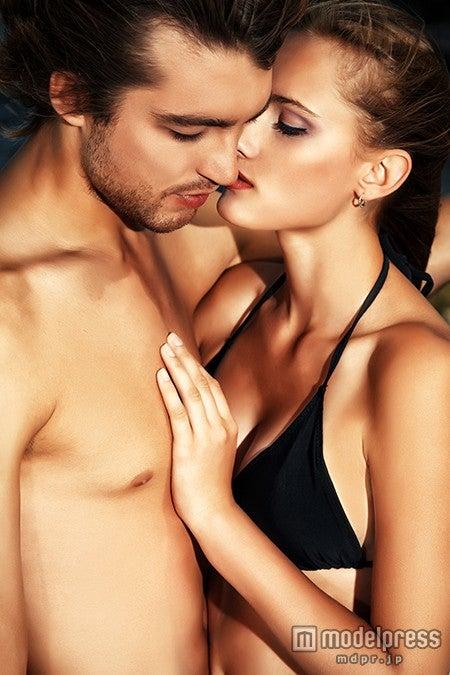 セックスで女性が感じずにはいられない「性感帯」5選【モデルプレス】