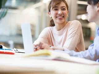 職場で好感度が高い女性の特徴と行動3選
