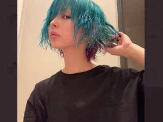最上もが、セルフカラーで青&紫髪にアップデート「ニ次元感増した」