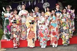 E-girls「1番晴れ着が似合う人は?」で盛り上がる 華やかに11人集結