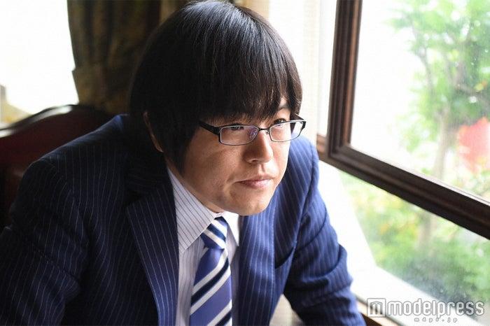 ゆり子の運命を握る男・真田役に抜てきされたバカリズム(C)TBS