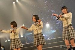 左から:宮脇咲良、兒玉遥、指原莉乃