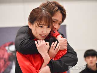 欅坂46菅井友香、味方良介と熱い抱擁 初主演舞台でアクション・歌・ダンスも<飛龍伝 2020>