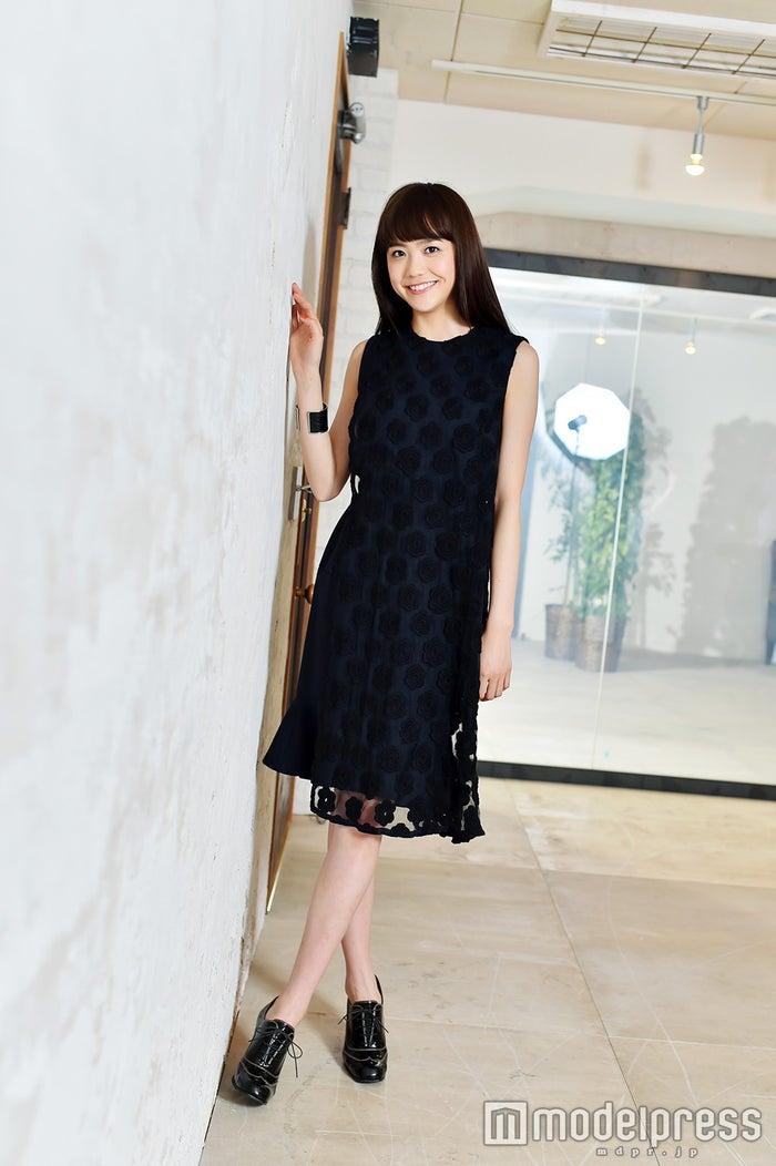 松井愛莉/ヘアメイク:清田仁、スタイリスト:道券芳恵(C)モデルプレス