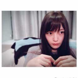 """モデルプレス - 川口春奈の""""おやすみ""""ショットに「すっぴん?」「無限にかわいい」癒されるファン続出"""