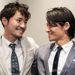 (左から)小柳津林太郎、久保裕丈 (C)モデルプレス