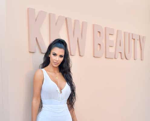 キム・カーダシアン・ウェスト、KKWビューティーの株式20%をコティに2億ドルで売却