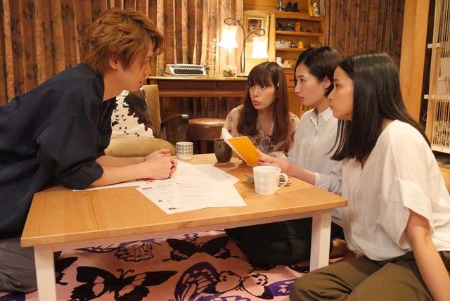 (左から)猪塚健太、桜井ユキ、武田梨奈、加藤ローサ (C)フジテレビ