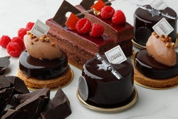 パリで人気のパティスリー「アルノー・ラエール」東京・広尾に日本初の路面店誕生