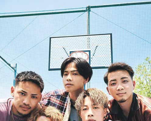 5人組若手YouTuberコムドット「ViVi」にカムバック 夏の私服コーデ公開