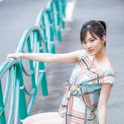 モデルプレス - 乃木坂46山下美月、美脚魅せ 透明感あふれる