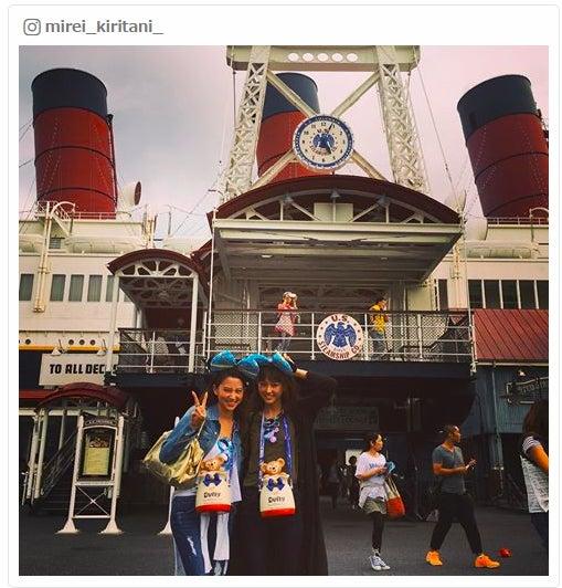 ディズニーでの姿が話題を呼んでいる河北麻友子(左)、桐谷美玲/桐谷美玲Instagramより
