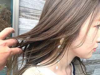 「ロングヘア×インナーカラー」で垢抜け!大人女性も挑戦しやすい色って?