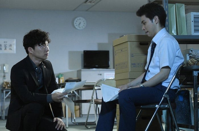 星野源、村上虹郎/「MIU404」第6話より(C)TBS