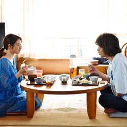 石原さとみ、峯田和伸/「高嶺の花」第5話より(C)日本テレビ