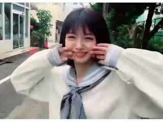 市川美織、制服姿でキュートなダンス披露「可愛すぎる」「破壊力抜群」と絶賛の声