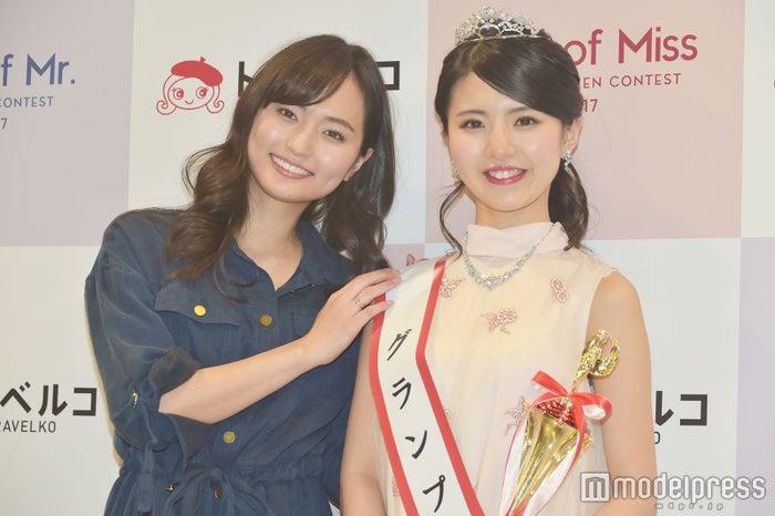 山賀琴子、グランプリに輝いた松田有紗さん (C)モデルプレス