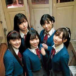 (前列左から)ペイトン尚未、伊達さゆり、青山なぎさ(後列左から)Liyuu、岬なこ/Liella!(C)細居幸次郎/集英社