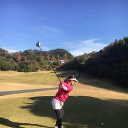 ゴルフの様子(提供写真)