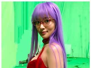 夏菜、SEXYなボンテージ姿で谷間ちらり「ドキッとした」「色気凄い」