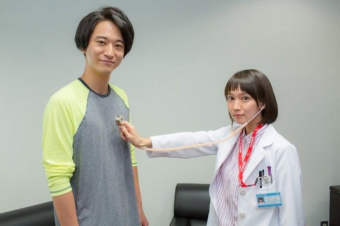 浅香航大、吉岡里帆(画像提供:関西テレビ)