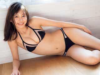 女子大生お天気キャスター・志田音々、癒やしの純潔ビキニ姿を披露