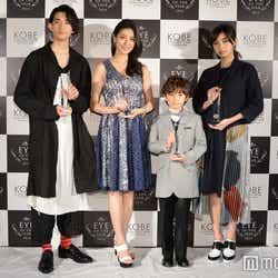 (左から)竜星涼、橋本マナミ、ケイン・デニス、池田エライザ(C)モデルプレス