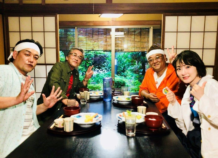 (左から)富澤たけし、寺島進、伊達みきお、生駒里奈 (C)テレビ朝日