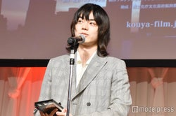 菅田将暉、受賞に驚き「R-18ですから」<第23回AMDアワード>