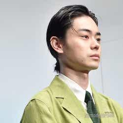 菅田将暉(結び) (C)モデルプレス