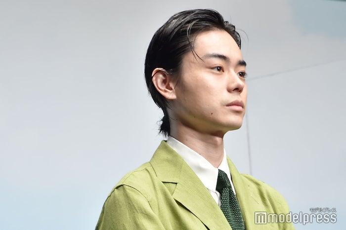 菅田 将 暉 オール バック
