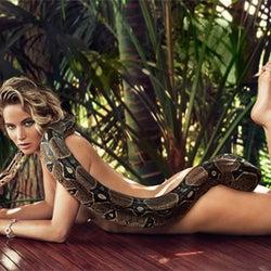 ジェニファー・ローレンス、全裸で大蛇と絡む