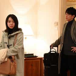 上白石萌音、佐藤健/「恋はつづくよどこまでも」第6話より(C)TBS