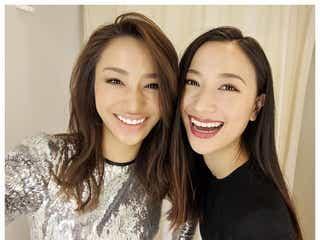 高橋メアリージュン&ユウ姉妹、密着2ショットに「本当にそっくり」「美人姉妹」と反響