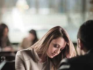 もう二度としません!! 浮気が彼女にバレたときに、男性が一番反省する対応とは?