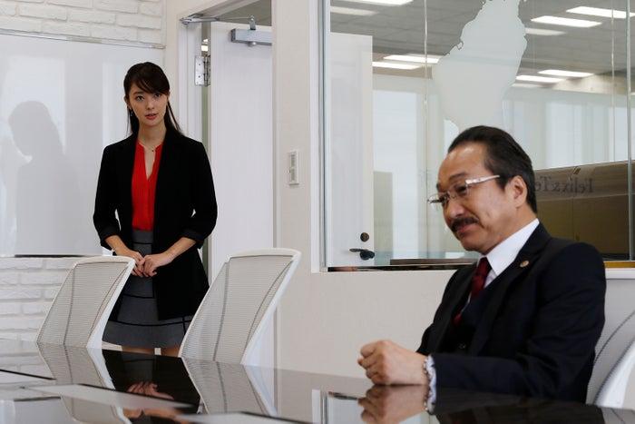 宮本茉由、小日向文世(C)テレビ朝日