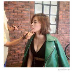 モデルプレス - SKE48松井珠理奈、SEXY谷間に注目集まる「色っぽい」「ナイスバディ」の声