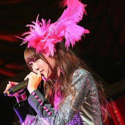 夢アド志田友美、38度の高熱を乗り越えてステージに立っていた…「永久に不滅!絶対に終わらせないから!」号泣ライブの裏側