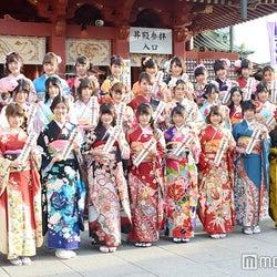 """入山杏奈、木崎ゆりあら""""遅咲き世代""""過去最多32人が成人 AKB48グループ記念撮影会"""