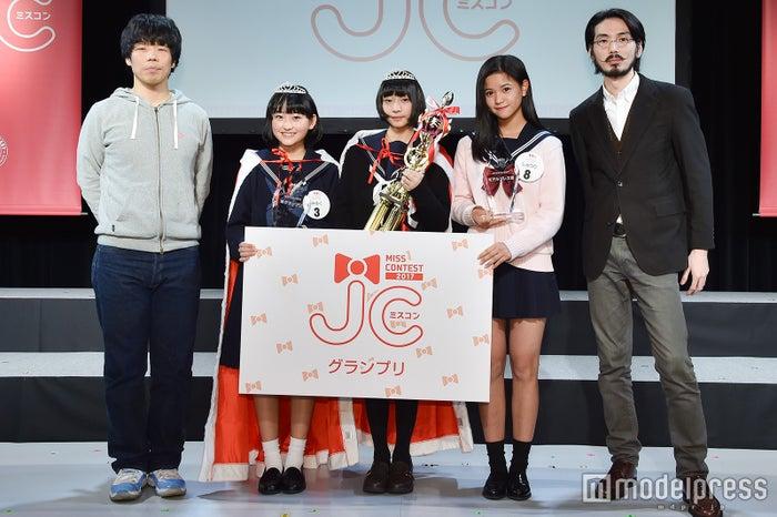 「JCミスコン2017」受賞者&馬鹿よ貴方は(C)モデルプレス