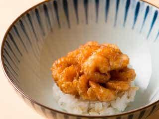〆の「エビのかき揚げ丼」が絶品で美しすぎる! ファン待望、天ぷらの人気店が新富町で復活