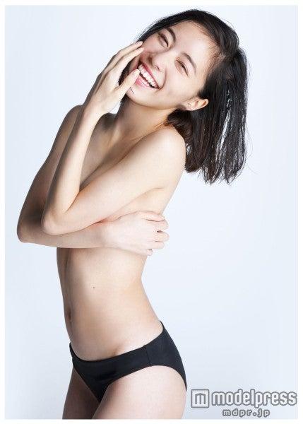 SKE48松井珠理奈、手ブラ大胆ショットで初の試み「もうこれ以上のものはない」(C)渡辺達生/週刊プレイボーイ【モデルプレス】