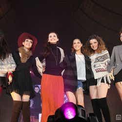 「KATY」モデル(左から)水上桃華、小森未彩、泉水セーラ、谷川りさこ、永井麻央、中村瑠璃奈