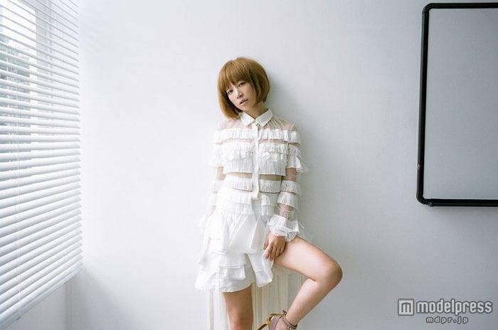 「第63回NHK紅白歌合戦」に出演したYUKI