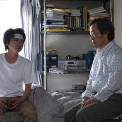 藤原竜也、武田鉄矢/『リバース』最終話より(画像提供:TBS)