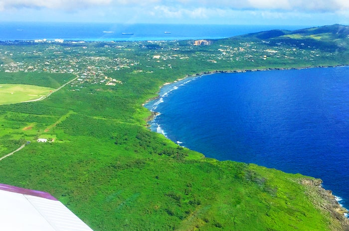 スターマリアナ航空の小型飛行機からの風景(C)マリアナ政府観光局/MVA
