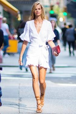 1Dハリーとも噂になった「ヴィクトリアズ・シークレット」注目ニューフェイス!抜群ルックス・ファッションセンスで日本人気も必至<ナディーン・レオポルド>
