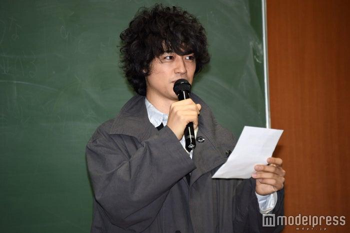 試写会にサプライズ登場した斎藤工(C)モデルプレス