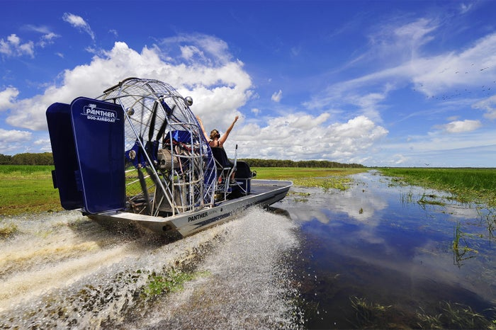 ジェットボートで大自然をリバークルーズ/画像提供:ノーザンテリトリー政府観光局