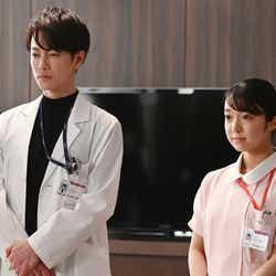 佐藤健、上白石萌音/「恋はつづくよどこまでも」第7話より(C)TBS